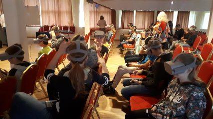Skolā viesojas mobilais planetārijs
